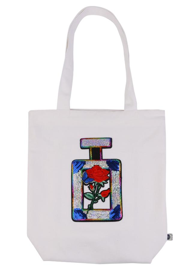Túi Xách Vải Bố May Họa Tiết Lọ Nước Hoa Kim Sa Xanh Canvas BSVMXC01169 (35 x 35 cm) – Trắng