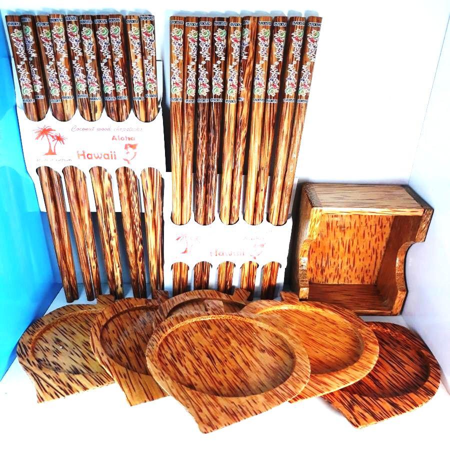 Combo 1 bộ 6 đế lót ly hình chiếc lá bằng gỗ dừa mĩ nghệ + 10 đôi đũa bằng gỗ dừa chất lượng cao
