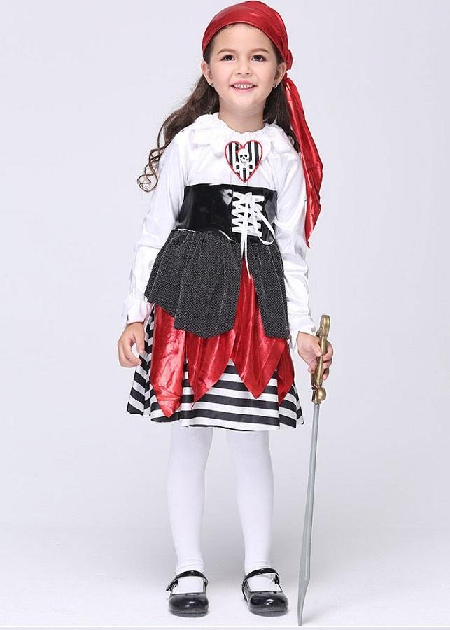 Trang phục cướp biển Halloween cho bé gái