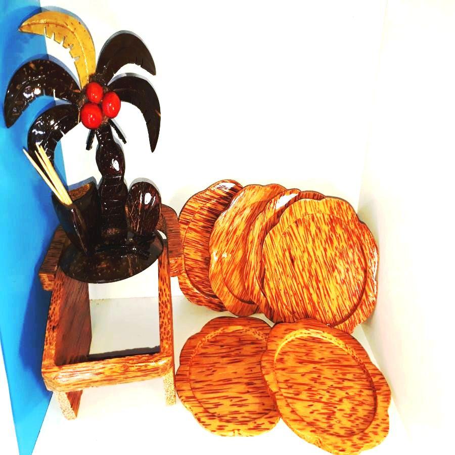 Combo 1 bộ 6 đế lót ly hình hoa mai bằng gỗ dừa mỹ nghệ + 1 dụng cụ để tăm hình cây dừa làm bằng gáo dừa