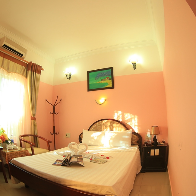 Khách sạn Thiên Đường Huế 2*- gần sông Hương thơ mộng