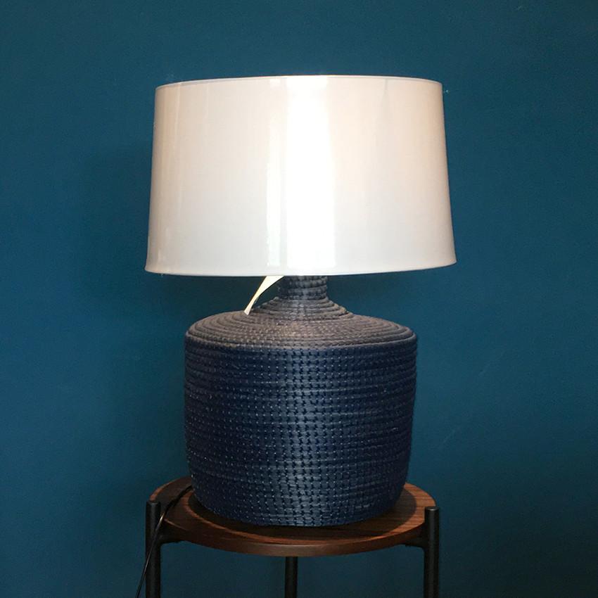 Đèn trang trí để bàn phòng khách Venosa Lighting Indigo tiêu chuẩn Châu Âu